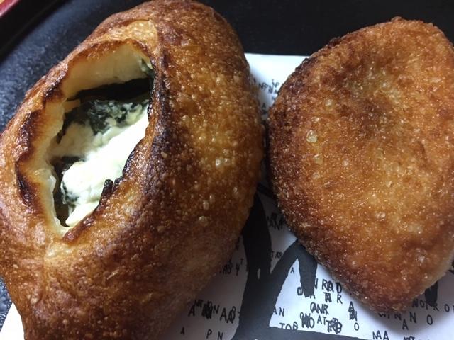 名古屋で人気のカレーパン、絶品はコレ。牛肉ゴロゴロカレーパン。
